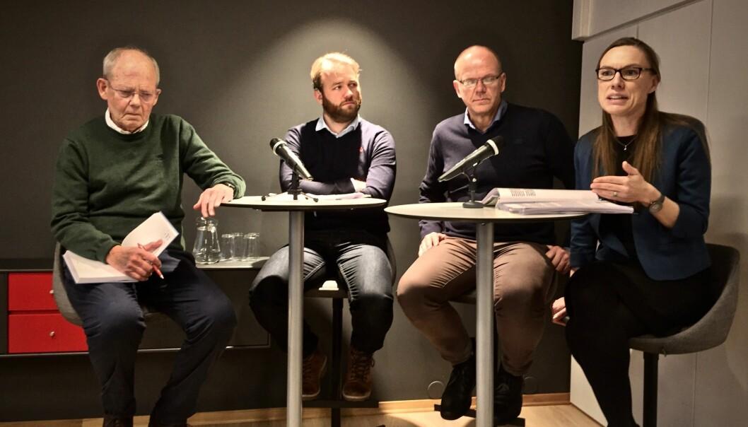 Noen av forskerne som har gransket folkeavstemninger i Norge. Fra venstre: Tor Bjørklund (UiO, Oslo), Bjarte Folkestad (Uni Research, Bergen), Jan Erling Klausen (UiO, Oslo) og Signe Bock Segaard (ISF, Oslo)   (Foto: Bård Amundsen/forskning.no)