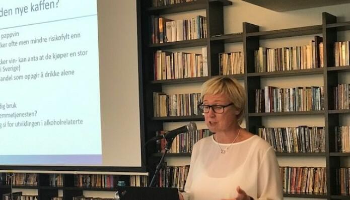 Elin Bye, forsker ved Folkehelseinstituttet, mener at vi har blitt en del av kulturen blant norske eldre. (Foto: Siw Ellen Jakobsen)