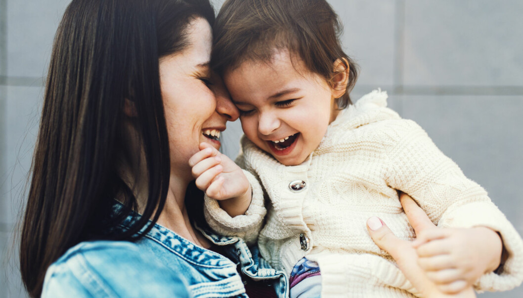 - Så var de der, med tidsklemma langt oppunder ørene og bilkø på vei til barnehage og jobb klokka kvart på sju om morgenen. Det var ikke det de hadde sett for seg da de ble mødre, det største de hittil hadde opplevd i livet, skriver kronikkforfatteren. (Foto: Shutterstock / NTB scanpix)