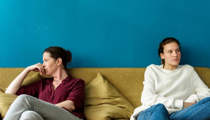I puberteten får vi nye forbilder: Det er ikke lenger foreldrene våre, men venner, og det kan derfor oppstå konflikter i hjemmet, forteller hjerneforsker Troels W. Kjær. (Foto: Rawpixel.com / Shutterstock / NTB scanpix)