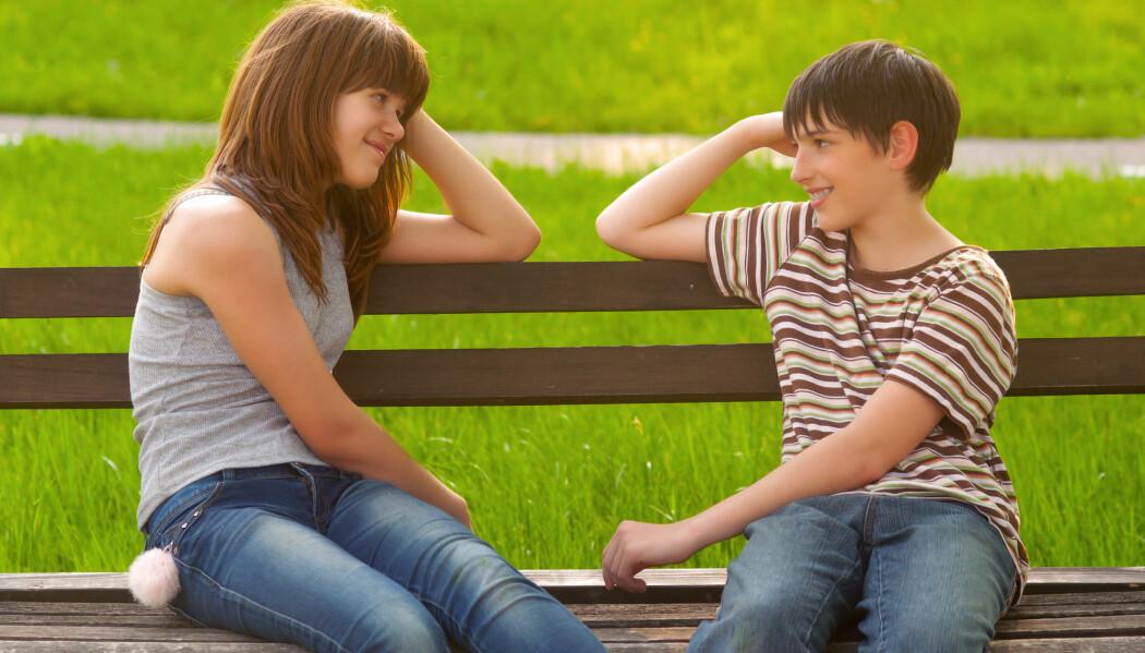 Jenter kommer som regel i puberteten et års tid før guttene, og derfor er de også høyere i en periode. (Foto: Sasa Prudkov / Shutterstock / NTB scanpix)