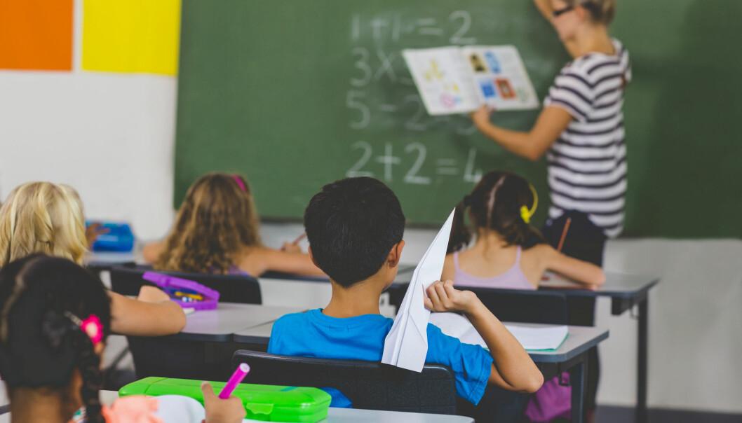 To forskere påpeker at politikere i denne debatten gjør skolens oppdragelsesproblemer til foreldrenes ansvar. (Foto: wavebreakmedia / Shutterstock / NTB scanpix)