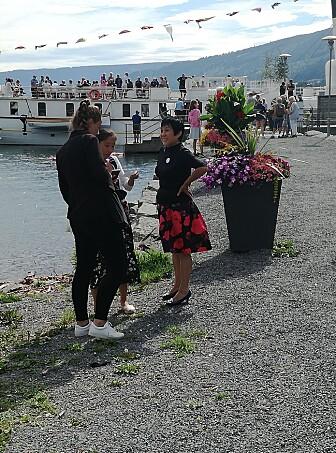 Her intervjuer forskerne japanske turister. (Foto: Monica A Breiby)