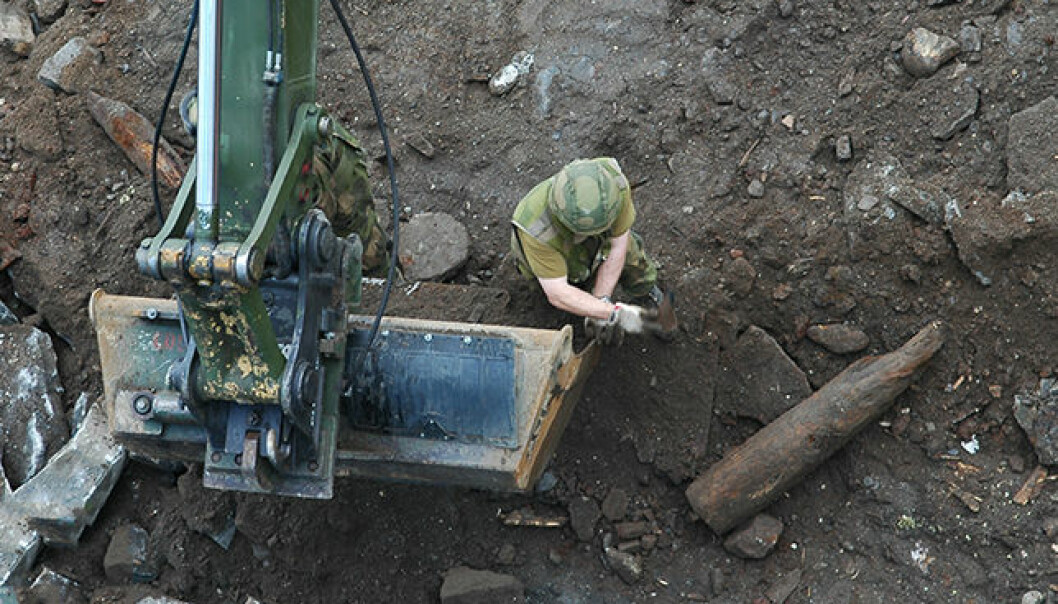 Hvert år har Forsvaret 300-400 oppdrag der de bistår Politiet med opprydding etter funn av gamle eksplosiver. (Foto: FFI)