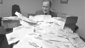 Da nynorskfolk organiserte seg i Noregs Mållag, gjorde motparten det samme i Riksmålsforbundet. Kjente forfattere som Bjørnstjerne Bjørnson, Arnulf Øverland og Sigurd Hoel engasjerte seg i den siste av de to. Norsk Lytterforening var en underorganisasjon av Riksmålsforbundet og lagde på 1950-tallet underskriftsaksjoner mot at det var så mye nynorsk i NRK. (Foto: Oddvar Walle Jensen NTB / Scanpix)