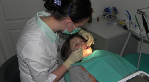 Hvilke behandlinger bruker tannleger for å reparere barns tenner?