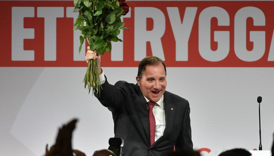 Statsminister Stefan Löfvens parti Socialdemokraterna gjorde det dårligere enn ved forrige valg, men bedre enn det meningsmålingene foran valget skulle tyde på. (Foto: Jonas Ekströmer / TT / NTB scanpix)