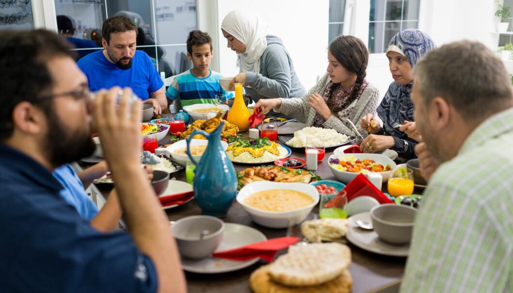 Oppfatningen blant mange nordmenn, om at det norske muslimske samfunnet i liten grad tar til motmæle mot de radikale miljøene, er ikke dekkende, ifølge forskning  (Illustrasjonsfoto: Zurijeta / Shutterstock / NTB scanpix)