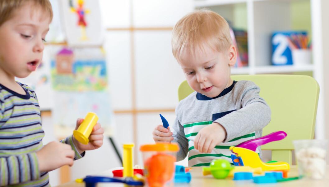 Barn med lette og moderate høyrselstap treng tilpassingar i kvardagen, sjølv om høyrselstapet er lite, og dei ser ut til å fungere fint. Det meiner psykologspesialist Nina Jakhelln Laugen i Statped. (Illustrasjonsfoto: Oksana Kuzmina/Shutterstock/NTB scanpix)