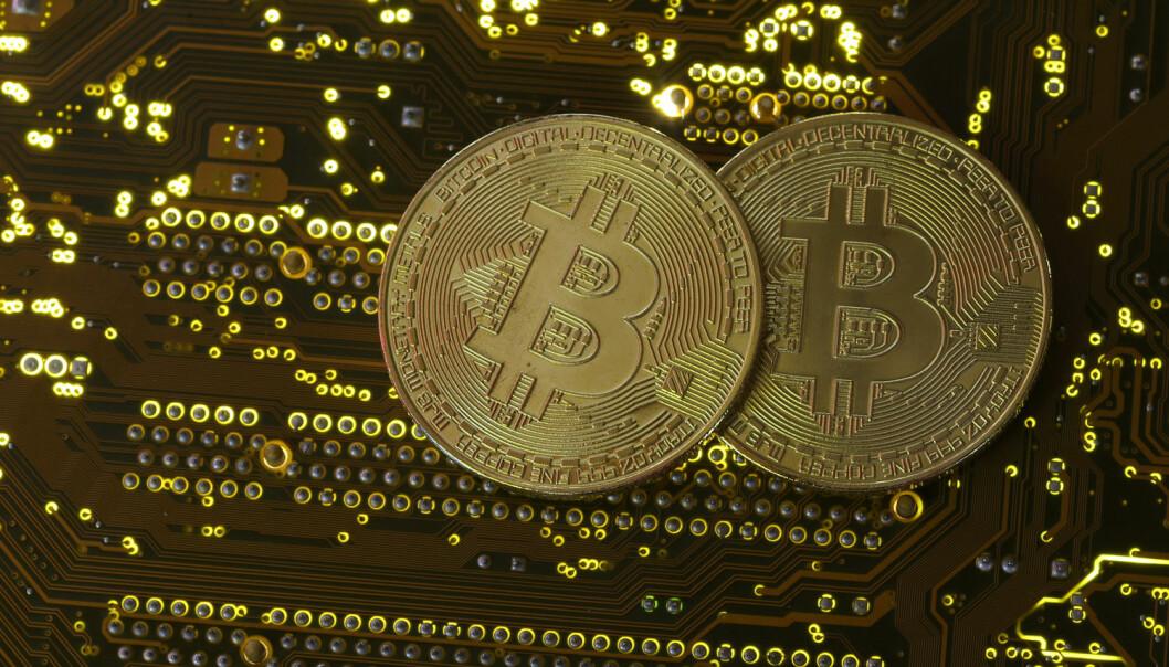 - Det var lettare å forstå verdien av pengar den gongen pengane våre var knytte til gull. Då kunne du gå til banken med ein pengesetel og få ut ei tilsvarande mengde gull, skriv Svein Ølnes. (Foto: Dado Ruvic / Reuters / NTB Scanpix)