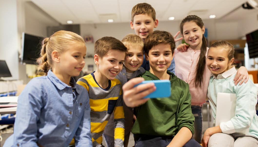 Selv om de fleste 10-12-åringene i Asker og Bærum forteller at de har det veldig bra, opplever også flere å bli såret eller mobbet. Nesten en av fire jenter i Asker har opplevd at noen har skrevet sårende ting til eller om dem på nett eller mobil. (Illustrasjonsfoto: Syda Productions/Shutterstock/NTB scanpix)