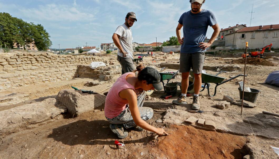 På arkeologiske utgravinger bor og jobber forskerne tett sammen. Slike feltarbeid har ikke alltid klare regler for å forhindre seksuell trakassering. Bildet er tatt i en annen sammenheng. (Foto: Robert Pratta/Reuters/NTB scanpix)