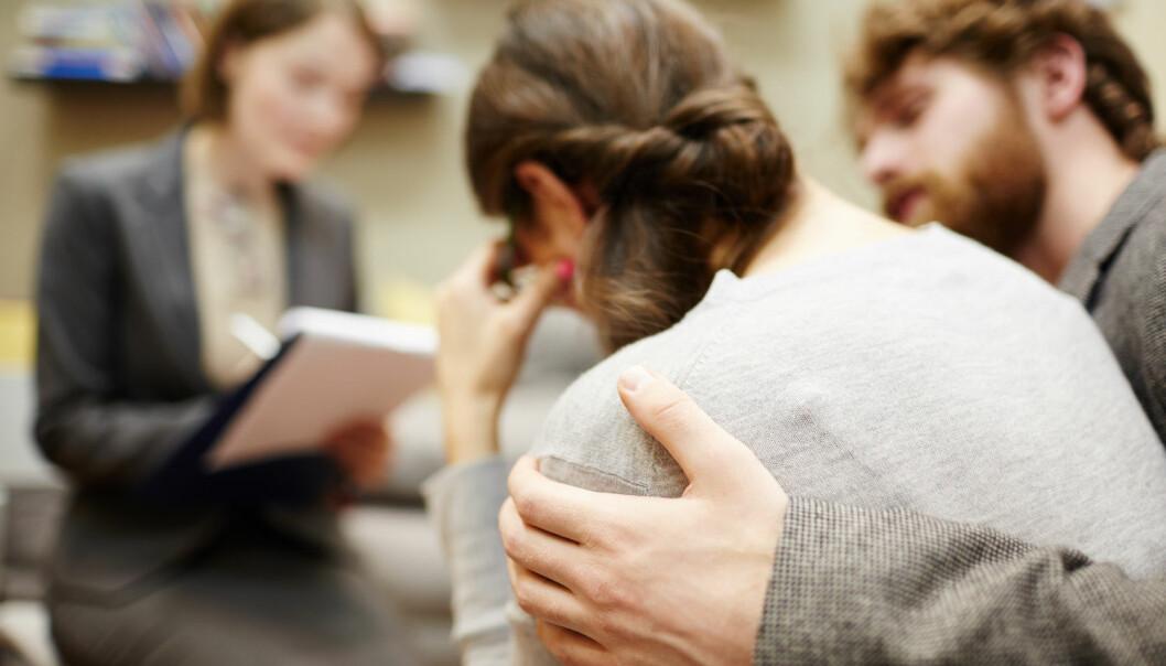 En behagelig berøring kan minske følelsen av å være avvist av andre. (Foto: Shutterstock/NTB scanpix)