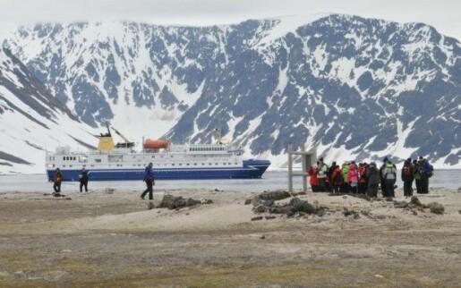 Turister på Svalbard truer sårbare kulturminner