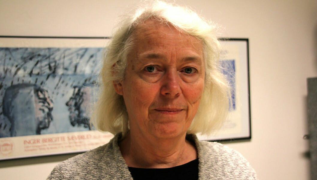 Kjemiprofessor Tanja Barth føler ho gjekk på limpinnen. – Men det er nok noko fleire har eller kjem til å oppleva, så eg tenkjer det er viktig at eg åtvarar andre. (Foto: Hilde Kristin Strand)
