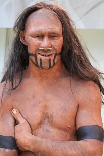 Moderne mennesker og neandertalerne deler en felles stamfar som levde for 700 000 år siden, da neandertalernes forfedre vandret ut av Afrika, mens forfedrene våre ble værende i Afrika noen hundre tusen år til. Senere har linjene våre igjen blitt flettet sammen. (Foto: Shutterstock)