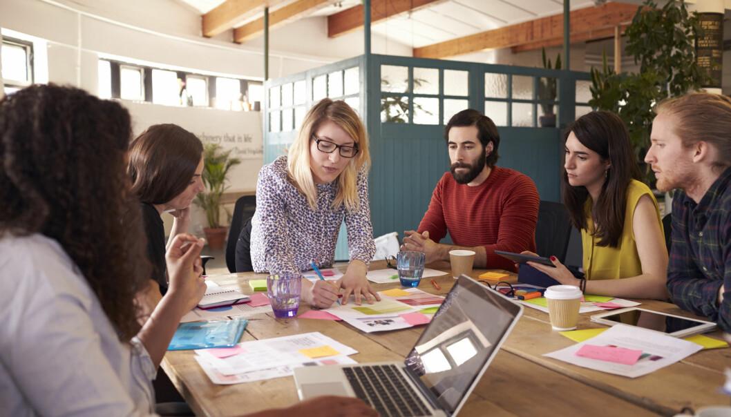 Bare sju av 100 av allmennaksjeselskapene har en kvinnelig toppleder. Hvorfor er det så få Det skyldes ikke at kvinnene er mindre kvalifiserte enn sine mannlige kolleger, slår forsker fast.  (Illustrasjonsfoto: Shutterstock / NTB Scanpix)