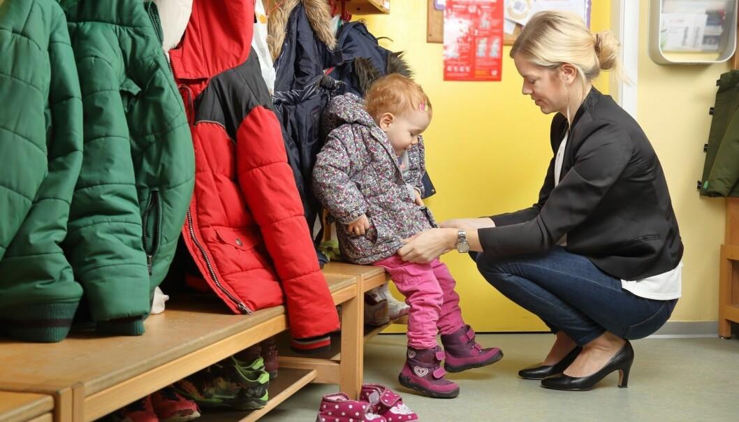 – Når det gjaldt henting i barnehagen, så jeg for eksempel at mor gjerne brukte fleksibiliteten i jobben til å hente tidligere. Det gjorde ikke far, fant sosiolog Kristine Warhuus Smeby i doktorgraden sin. (Foto: Shutterstock / NTB scanpix)
