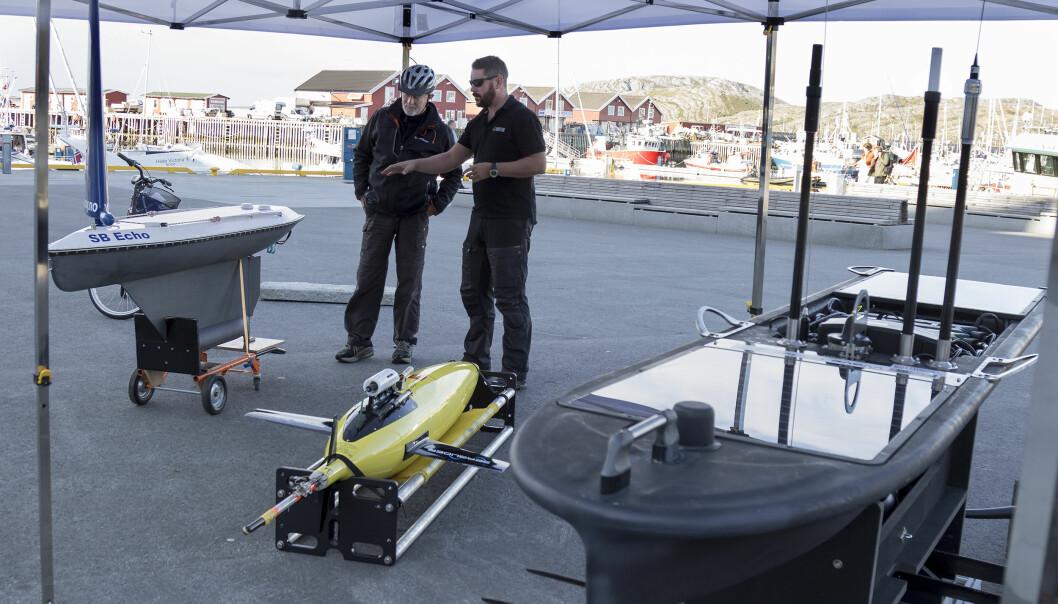 Disse dronene tok nylig turen opp langs kysten fra Sandnessjøen til Bodø for å kartlegge økosystemet i havet.  (Foto: Svein-Arnt Eriksen)