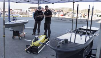 Måler bølger og temperaturer med surfedroner