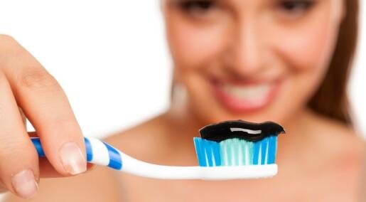Får du hvitere tenner av tannkrem med aktivt kull?