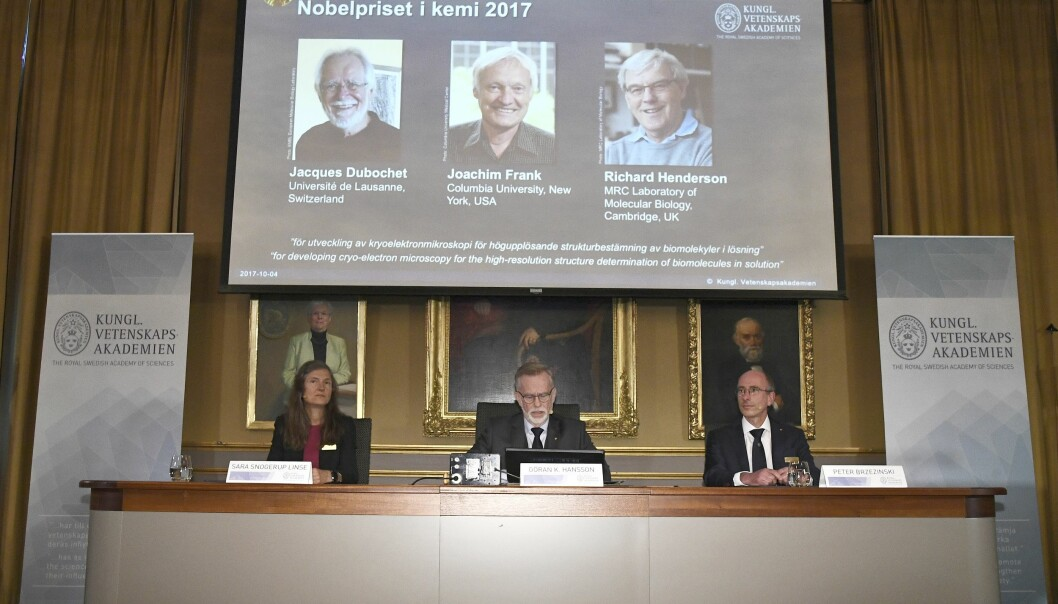 Vinnerne av årets Nobelpris i kjemi. (Foto: Claudio Bresciani, EPA, NTB Scanpix)