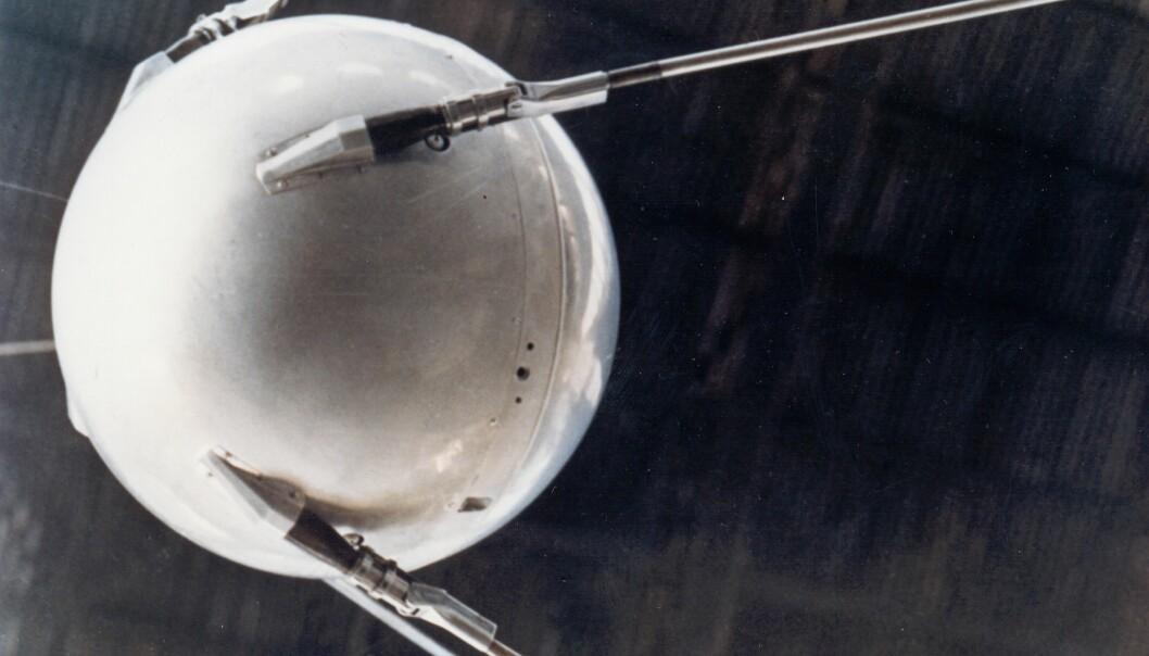 Sputnik-1 ble skutt opp 4. oktober 1957 og gjorde i alt 1.400 kretsløp rundt jorden før den brant opp i atmosfæren etter 92 døgn. (Foto: Nasa)