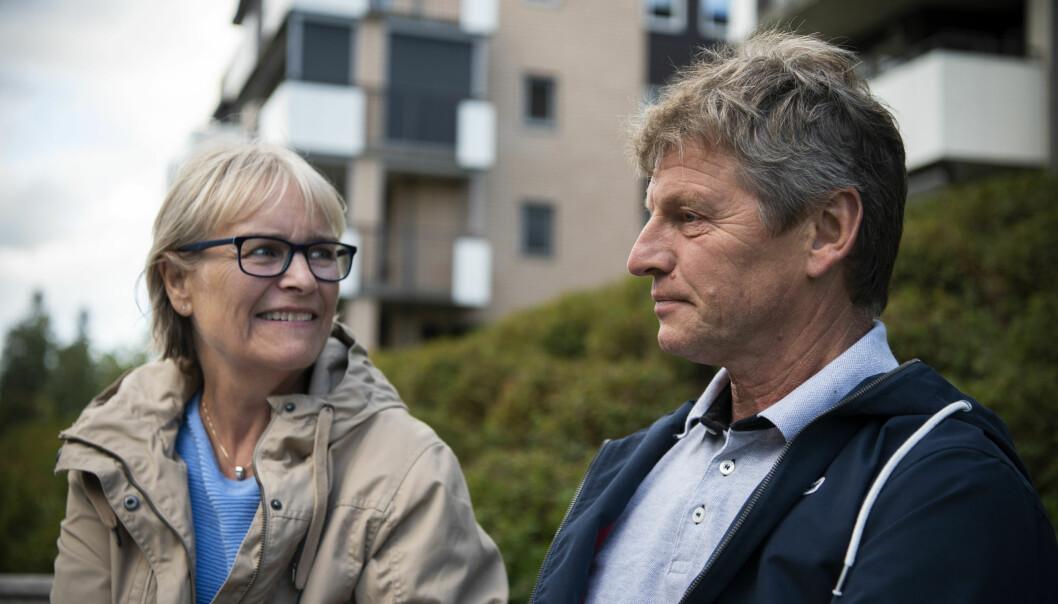 Svein Skoglund (60) fikk Alzheimer-diagnosen for ett år siden. Han og kona Anne Arveschoug (62) har vært åpne om sykdommen og opplever god støtte fra familie og venner. Det betyr mye for ekteparet fra Jessheim. (Foto: Sonja Balci)