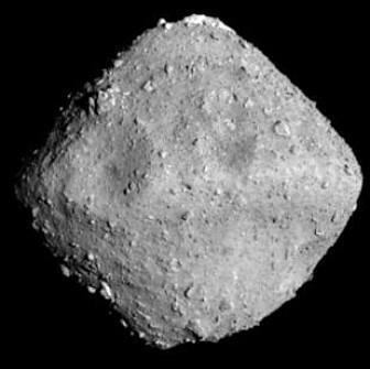 Asteroiden Ryugu, sett av Hayabusa2 i juni. (Bilde: JAXA©)
