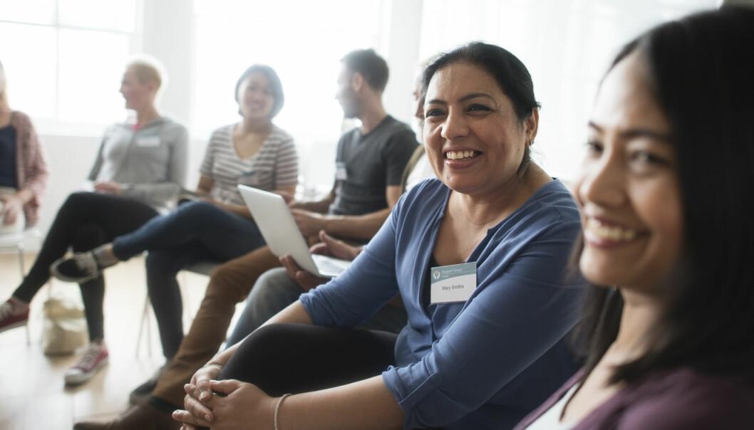 For å bygge tillit er det viktig å bidra til at folk blir kjent, at de kan observere hverandre og oppdage at de andre er til å stole på. (Foto: Shutterstock / NTB scanpix)