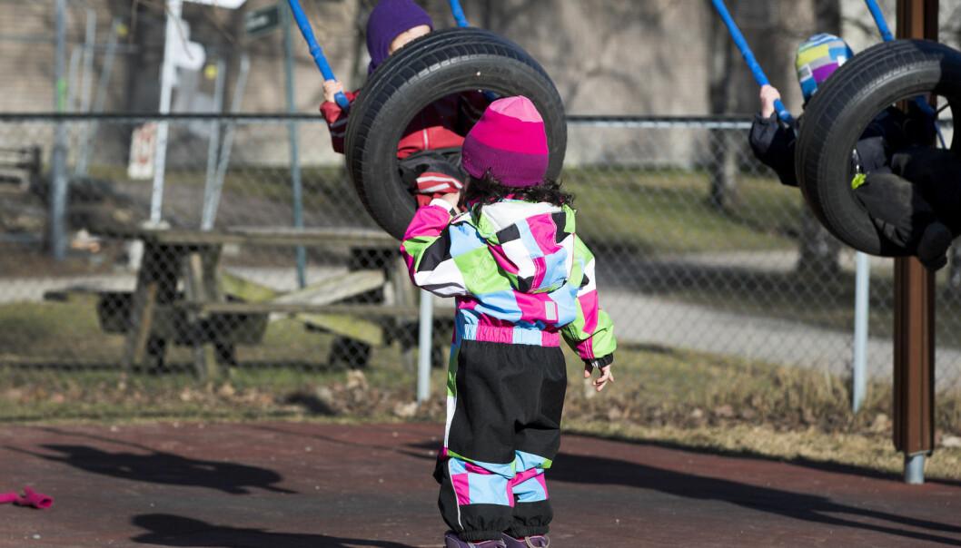 Jenter som sprang rundt og ropte høyt ble bedt om å roe seg ned, ellers ble de tatt ut av leken. Ny studie viser fortsatt store forskjeller i hvordan barnehageansatte behandler barn. (Foto: Gorm Kallestad / NTB scanpix)