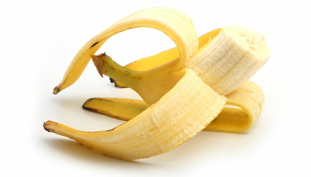 Norsk Ukeblad forteller sine lesere at en halv banan gir bedre nattesøvn. Det er fordi bananer virker muskelavslappende. Men ifølge forskningen finnes det ingen bevis på at noen matvarer påvirker nattesøvnen.  (Foto: Colorbox)
