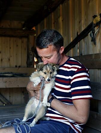 Livet til Nils Raymond og familien ble totalt forandret for tre år siden, da han fikk et kraftig hjerneslag. (Foto: Nasjonalforeningen for folkehelsen)