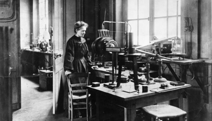 Marie Curie i laboratoriet sitt. (Foto: Scanpix)