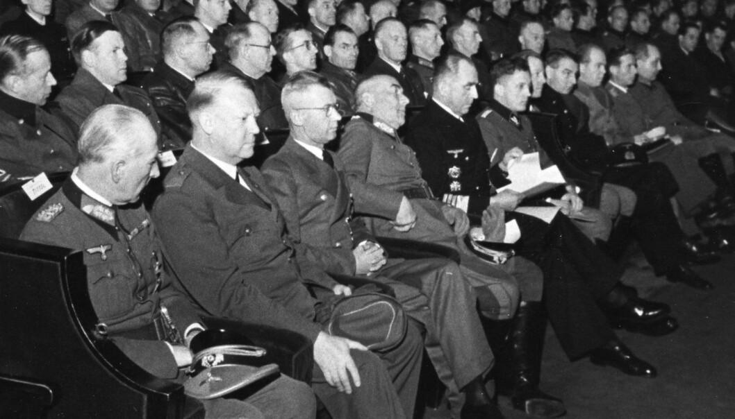 Selv om Nasjonal Samling drev norske kinoer, ble kinosalene et viktig sted for hverdagsmotstand. For eksempel buet nordmenn høylydt da det ble vist nazipropaganda. Bildet er fra salen i Colosseum kino i 1944 (Foto: Riksakrivet)