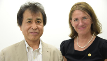 Kimiya Ishikawa og Bettina S. Husebø har ulike tilnærminger til eldreomsorg. (Foto: Kim E. Andreassen / Universitetet i Bergen)