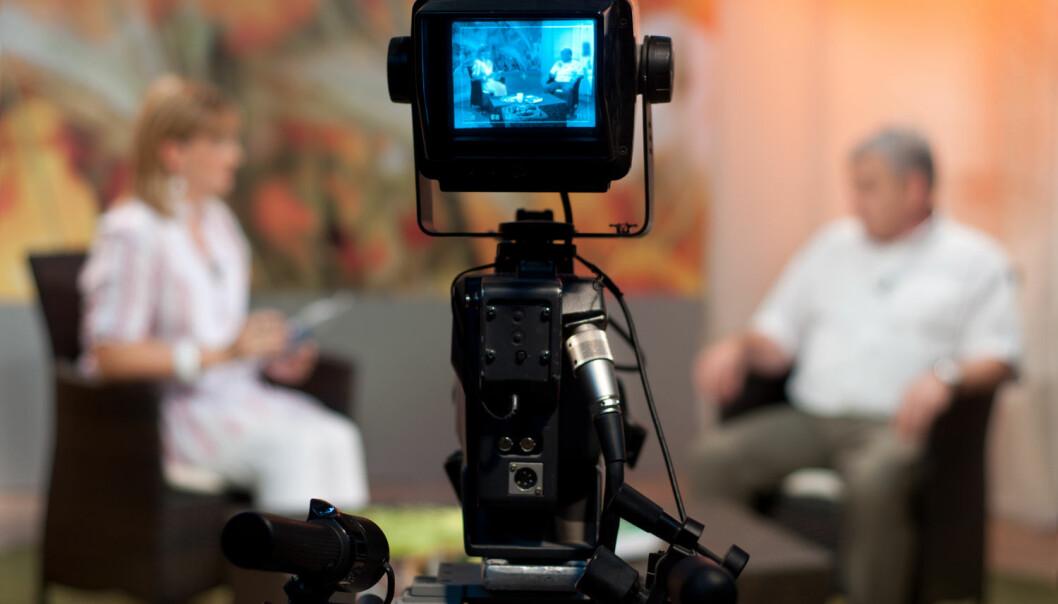 Mediene bruker gjerne forskere som ekspertkilder. De uttaler seg om politikk, klima, sosiale forhold og verdensbegivenheter. Kan vi stole på dem? Nei, mener halvparten av nordmenn.  (Foto: Shutterstock / Scanpix)