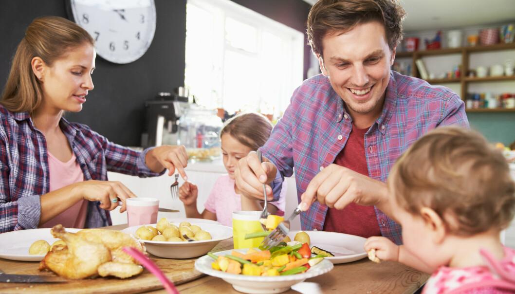 – Foreldrene må være bevisste på at barnet skal slippe til og får lov til å delta aktivt selv i samtalen, sier forsker. (Illustrasjonsfoto: Monkey Business Images / Shutterstock / NTB scanpix)