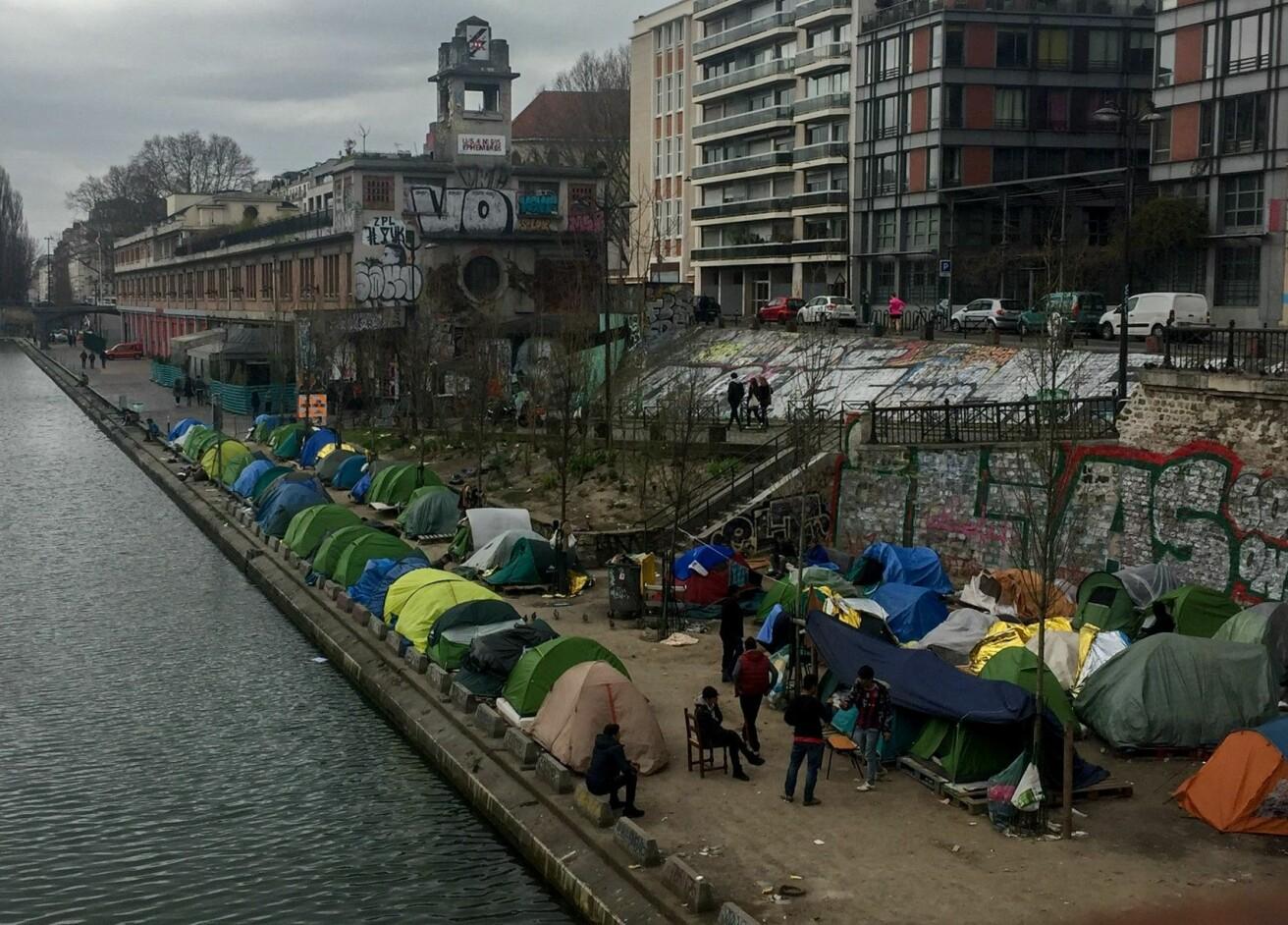 I Frankrike er det lettere å leve på gaten, fortalte unge afghanere til Thea Rabe. Der kan de jobbe svart og blir ikke sendt tilbake til Norge eller Afghanistan. Bildet er tatt under feltarbeidet i Paris. (Foto: Thea Rabe)