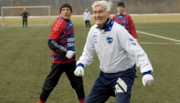 Et eksempel på sterkt skjelett i fotballforskernes søkelys: Kaj Boll Christensen på 83 år har spilt fotball i 71 år, først og fremst i klubben B93 i København.  (Foto: DBU)