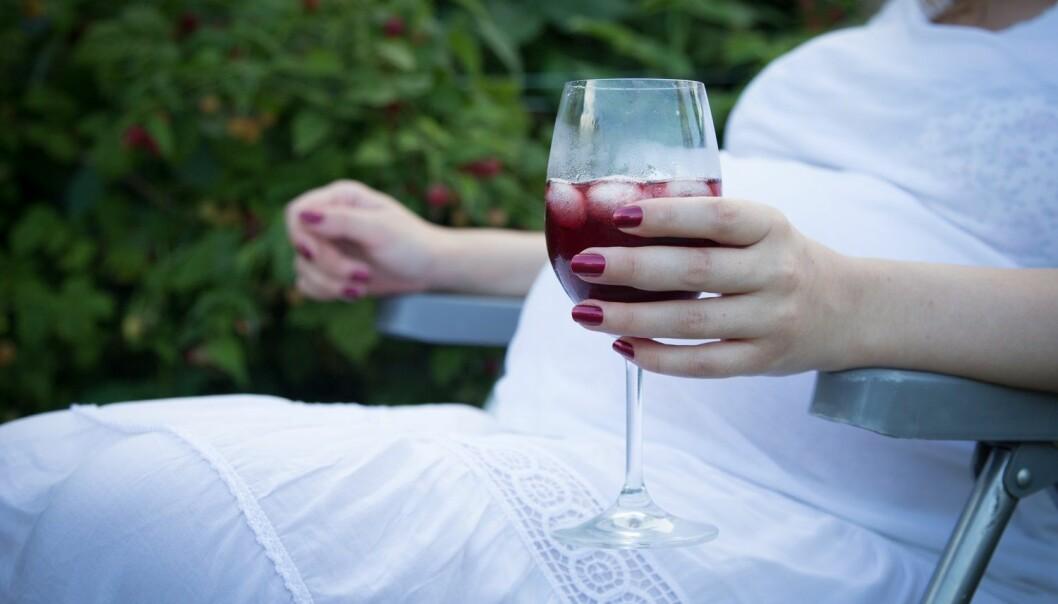 Uvisst om litt drikking i i svangerskapet er skadelig for barnet