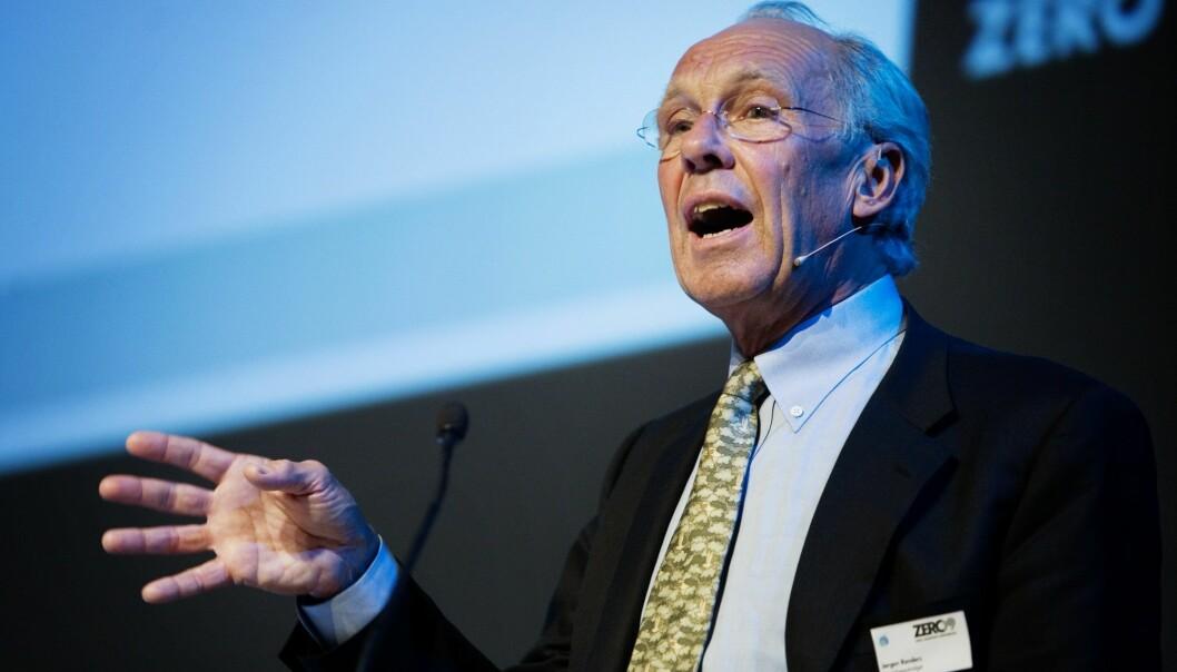 Randers mener at det norske samfunnet ikke tar inn over seg at om verden skal nå klimamålene som er fastsatt, vil bransjen bli ulønnsom.  (Foto: Jon-Michael Josefsen / Scanpix)