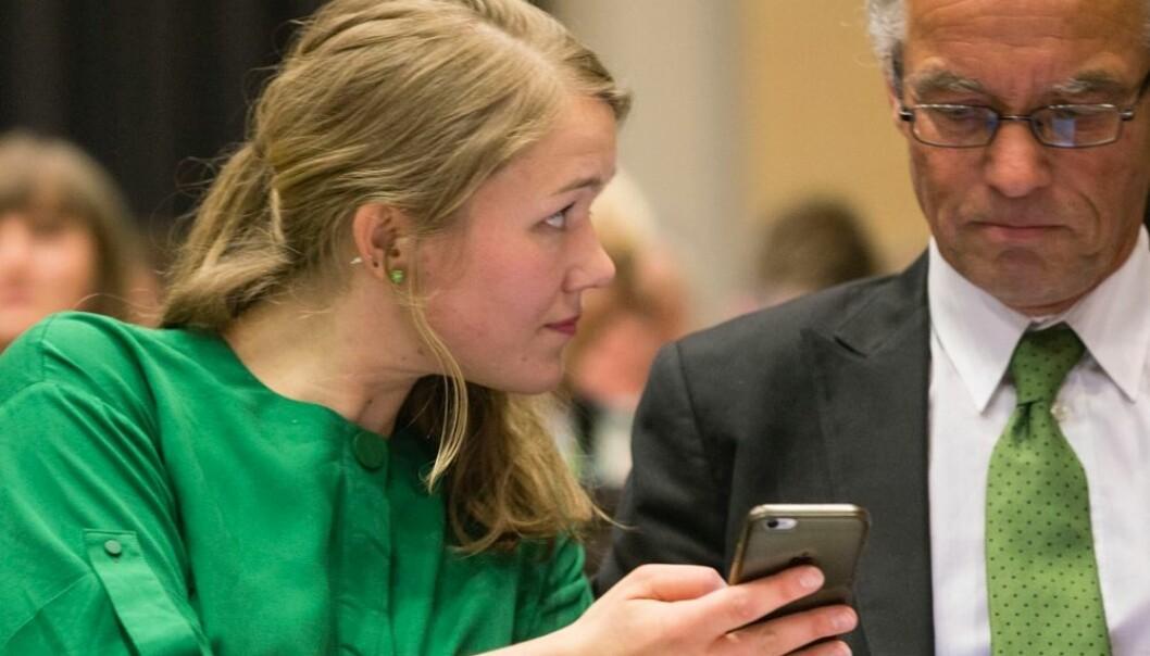 Miljøpartiet De Grønne vedtok under landsmøtet i mai at de vil gå inn for at folk skal jobbe mindre. De ønsker å redusere arbeidstiden fra 37 til 30 timers uke. En ny undersøkelse tyder på at de lever som de lærer. Bare en tredel av partiets stortingskandidater er fulltidsansatte.  (Foto: Geir Olsen, NTB scanpix)