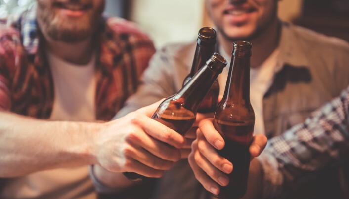 I 1979 anbefalte britiske myndigheter at menn maksimalt drakk 56 enheter i uken. (Foto: George Rudy / Shutterstock / NTB scanpix)