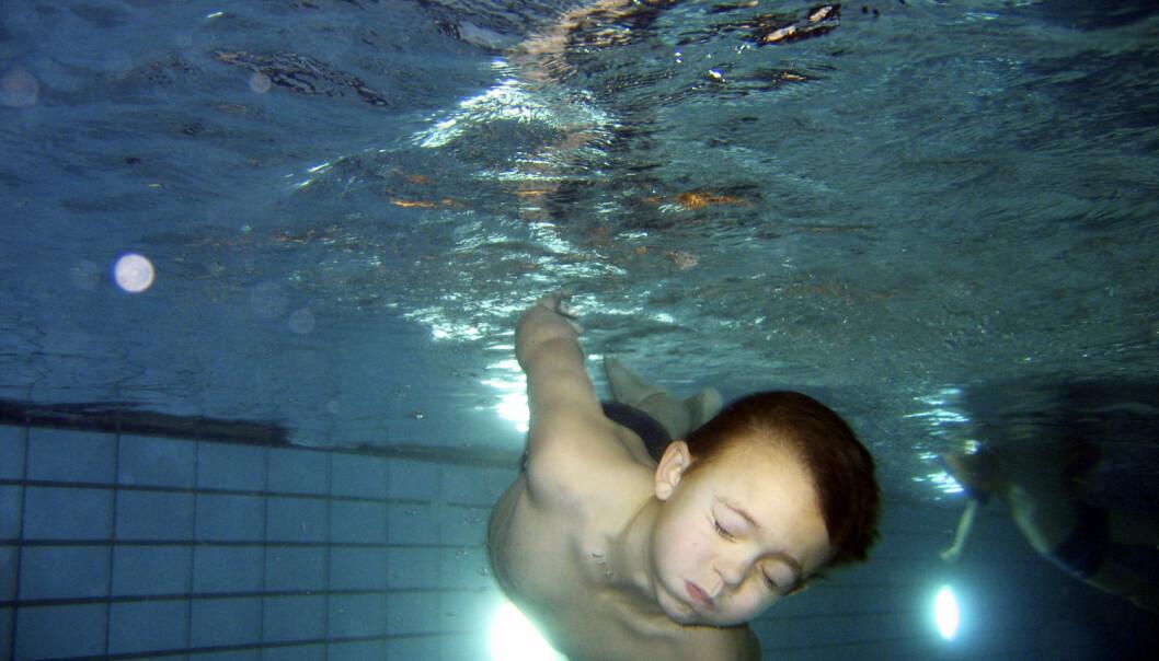-Sammenlignet med andre nordiske land er kystnasjonen Norge på bunn når det gjelder svømmeferdigheter blant barn og unge, skriver kronikkforfatteren. (Foto: Foto: Cornelius Poppe / NTB scanpix)