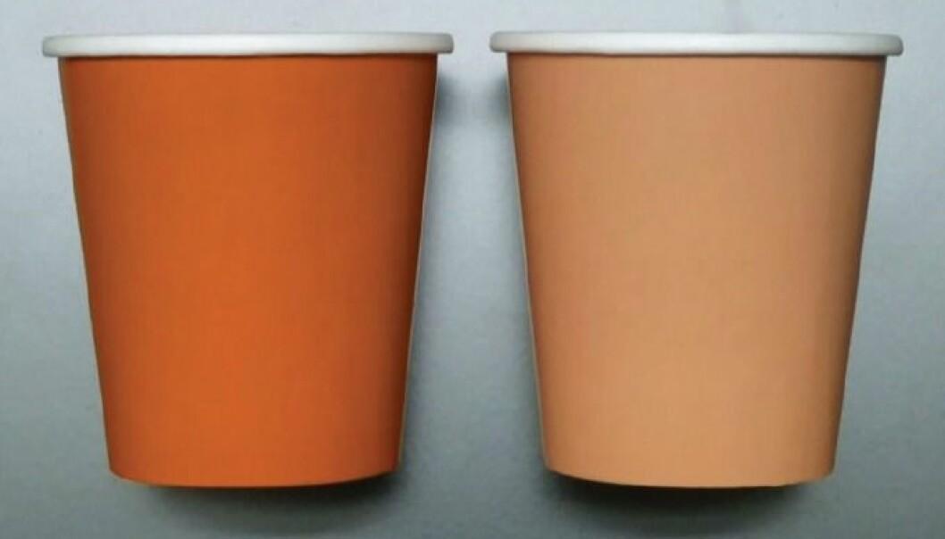 I et eksperiment forsynte deltakerne som skulle fylle opp en sterk brun kopp seg med en firedel mer jelly beans, enn de som fikk utdelt den svakere brune koppen. Et synsbedrag gjør at vi tror at fargesterke produkter er større og rommer mer enn produkter med samme, men svakere farge.  (Foto: JCR/Hagtvedt/Brasel)
