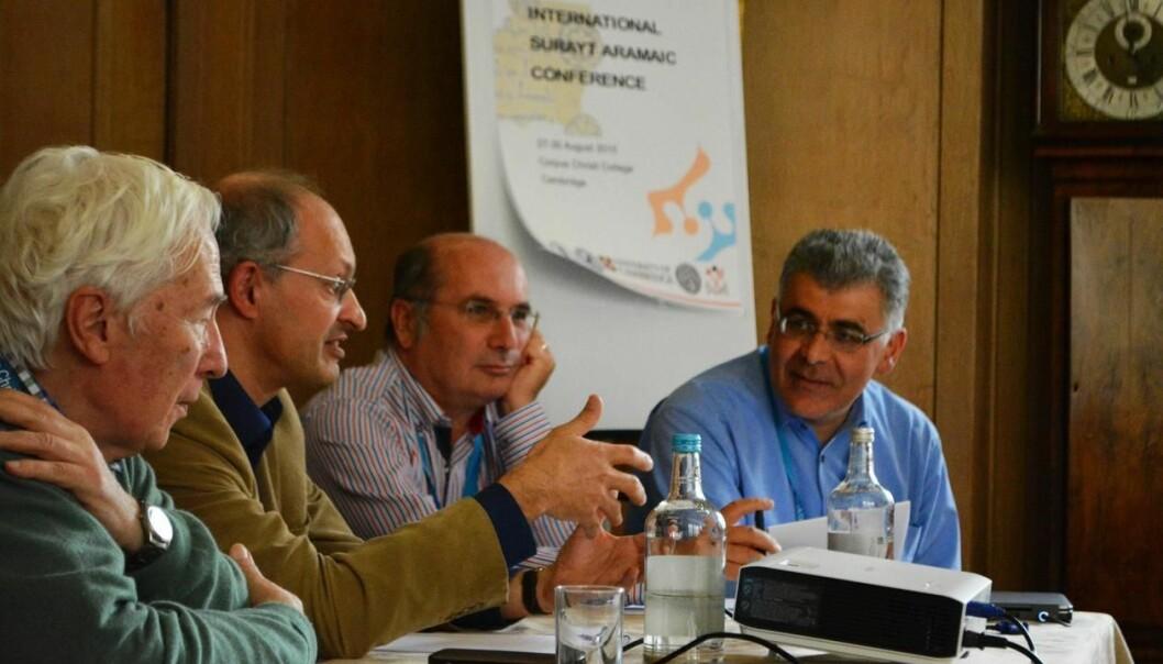 Her er noen av forskerne som er knyttet til Aramaic Online Project. Fra venstre: Professorene Otto Jastrow, Geoffrey Khan, Werner Arnold og Shabo Talay (Foto: Arve Kjell Uthaug)