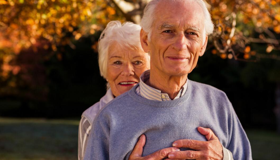 Kvinner og menn som ikke er uføre, opplever at inntekten deres går ned når de blir alderspensjonister. Uføre eldre opplever tvert imot at inntekten øker litt som alderspensjonister. (Illustrasjonsfoto: wavebreakmedia / Shutterstock / NTB scanpix)