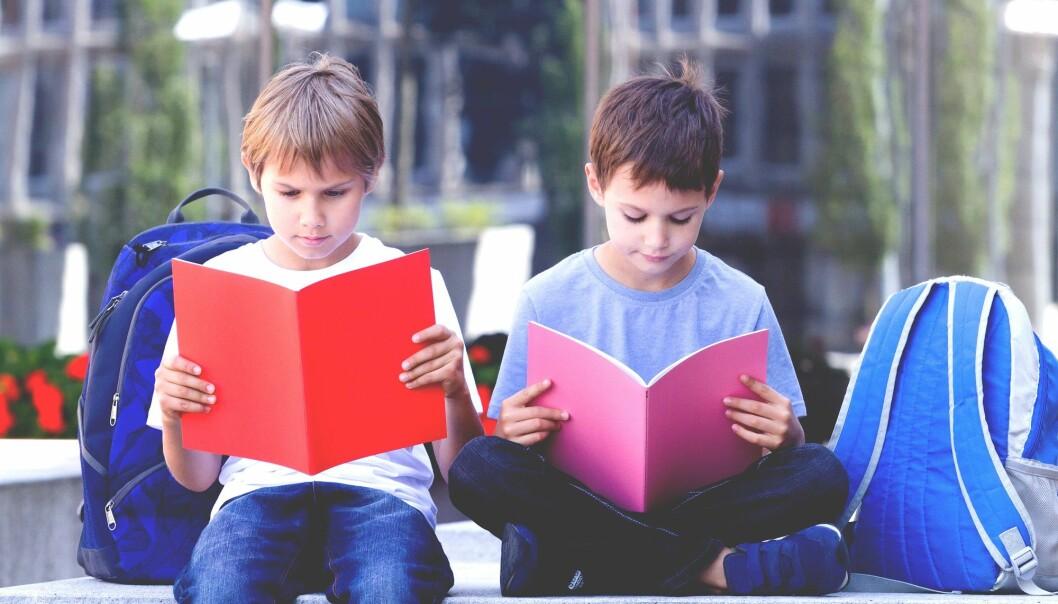 Førsteklassinger fikk større utbytte av et intensivt undervisningsprogram for lesevansker, enn tredjeklassinger som fikk like tett oppfølging. Det viser hvor viktig det er å sette inn tiltak tidlig, mener forsker.  (Illustrasjonsfoto: Colourbox)