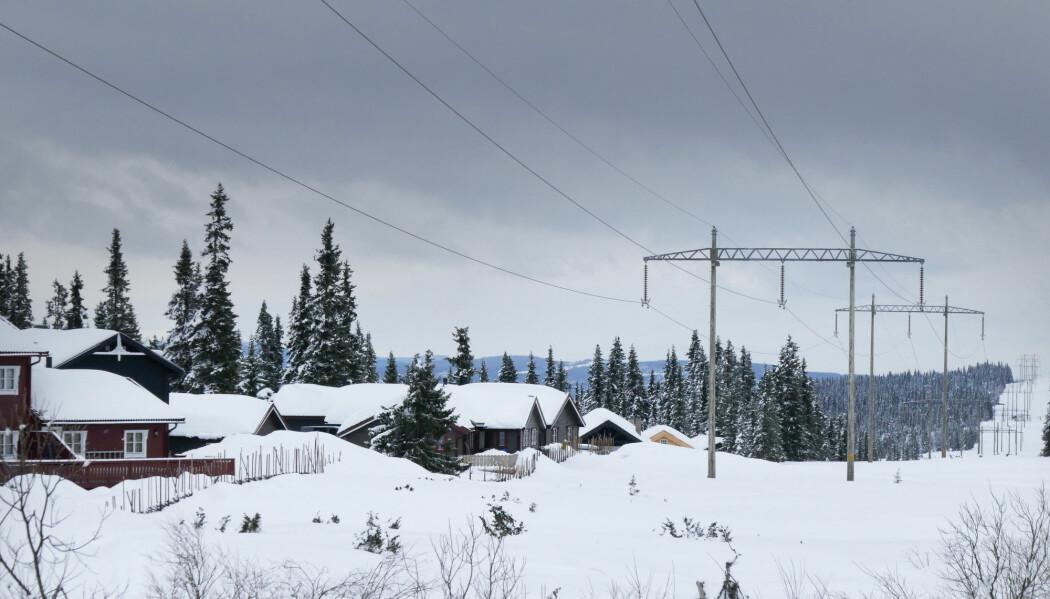 For å sikre oss mot alvorlige strømbrudd er dagens norske kraftnett designet med mange reserveløsninger. Det kan det bli slutt på i fremtiden. (Illustrasjonsfoto: Foto: Erik Johansen / NTB scanpix)